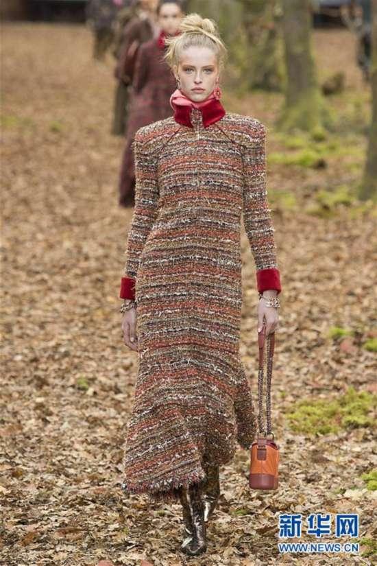 (國際)(1)巴黎時裝周:香奈兒發布秋冬女裝成衣新品