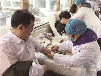 南通海门组织400余名医务工作者无偿献血