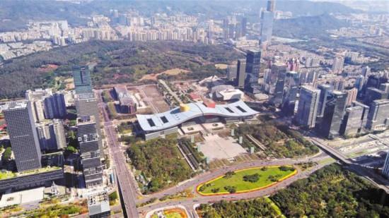 541米高空俯瞰深圳