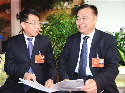 """全国政协委员聚焦""""天津八条""""营造良好营商环境"""