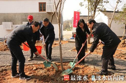 南京溧水区四套班子领导参加义务植树活动