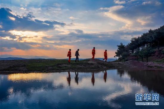"""(图文互动)(3)贵州沙子坡林场:三代护林员守护一片""""林海"""""""