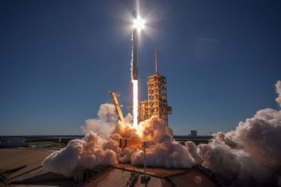 马斯克画了一张太空旅行的大饼 明年能实现吗?