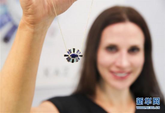 (国际)(1)纽约举行春季珠宝展