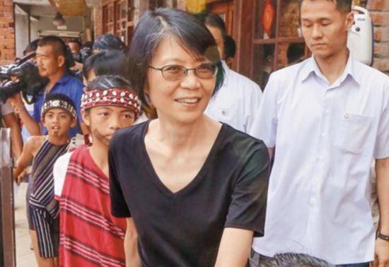 台媒:若马英九遭起诉 周美青不排斥选台北市长讨公道!