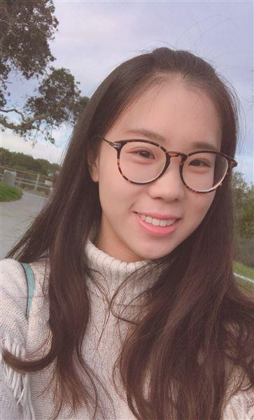徐州95后女孩收到5所國外名校錄取通知書