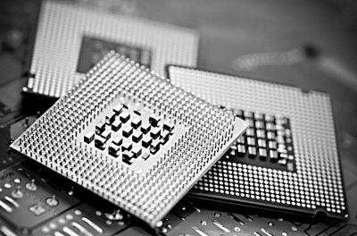 但是,与全球先进国家相比,中国集成电路产业芯片设计,装备和材料差距