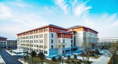 扬大广陵学院开学报到 近万名学生搬入新校区图片