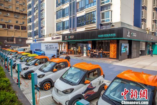 广西柳州大力推广新能源汽车路边停车免费可享千元补贴