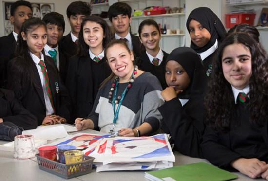 英教师获百万美元业界大奖 会用35种语言打招呼