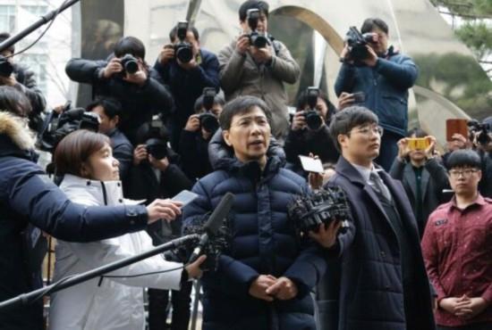 韩政坛明星安熙正再次否认性侵称双方你情我愿