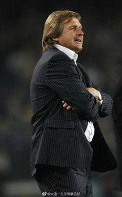 舒斯特尔出任大连一方新帅 马林成新赛季首位下课主帅