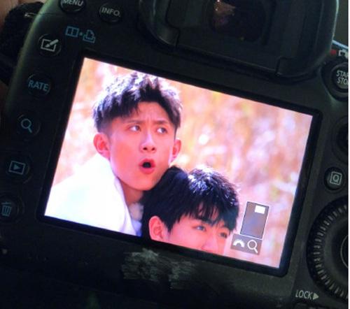 张一山吐槽王俊凯家的摄影师有毒,网友:笑道脸痛!