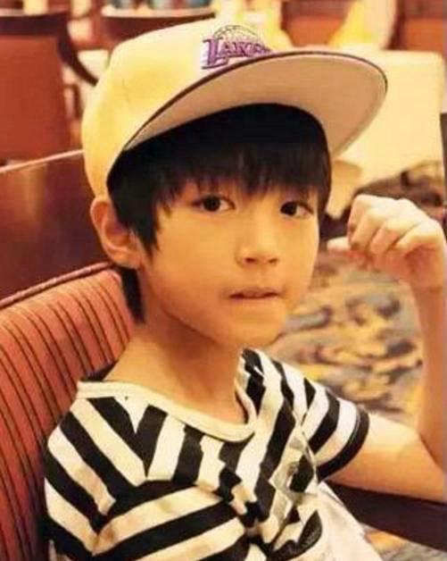 刘强东晒中学时期青涩照片少年气十足 竟然撞脸王俊凯?
