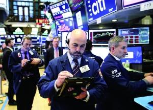 """资金流向逆转美国股基""""失血"""""""
