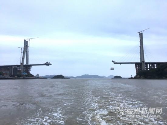 福州长门特大桥建设过半 力争6月中旬完成合拢