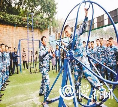 揭秘西南唯一海军航空实验班:学生不能打篮球