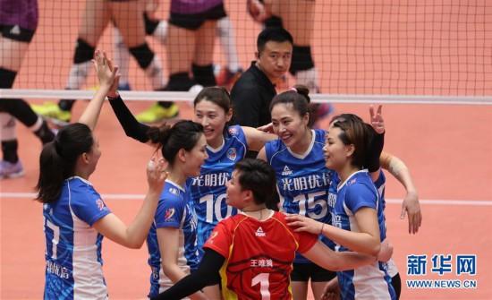(体育)(1)排球――女排联赛决赛第五场:上海胜天津