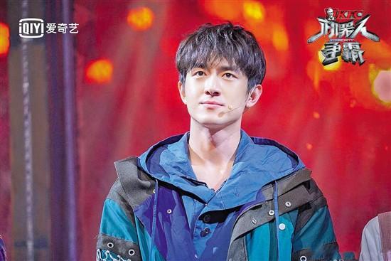 赵立新主持《机器人争霸》 杨颖李晨林更新盛一伦担任队长
