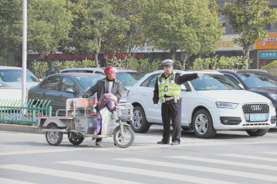 江苏海安正式启动交通秩序百日整治行动