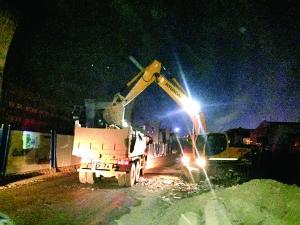 淮安内环高架工程沿线开展装潢垃圾专项整治
