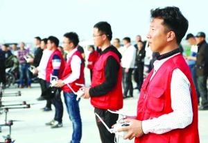 百架植保无人机在淮安淮阴区渔沟镇进行演练