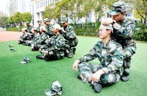 淮安清江中学国防班学生学习急救常识