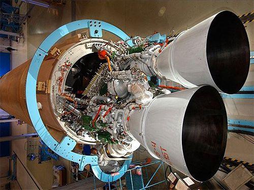 俄罗斯威胁报复美国贸易战:禁售航天发动机!