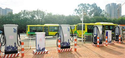 广州:力争9月底前万辆纯电动公交上路