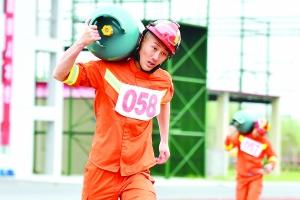 淮安80名消防官兵进行技能比拼