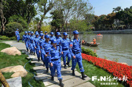 福州组建城区水系巡查支队 护河专员紧盯偷排混排