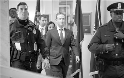 """扎克伯格承认脸书隐私保护""""做得不到位"""""""