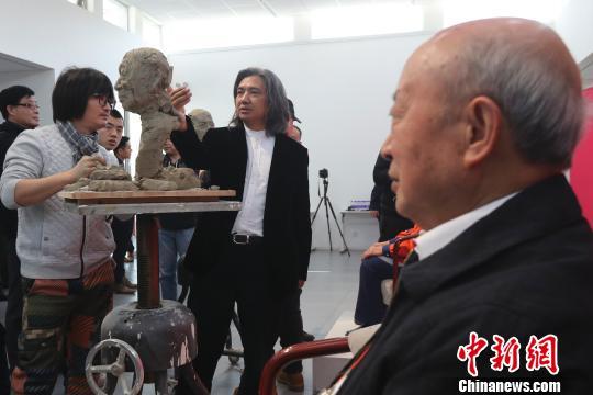 中国美术馆再为新时代人物塑像