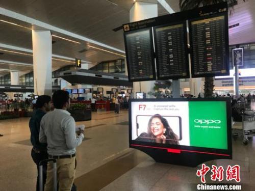 印度人钟爱中国手机华为红、VIVO蓝等各领风骚