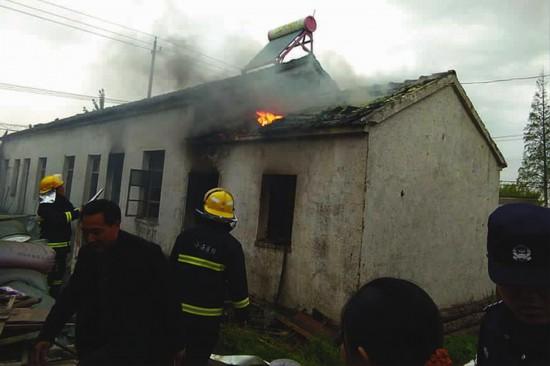 盐城大丰区一厂房失火 无人员伤亡