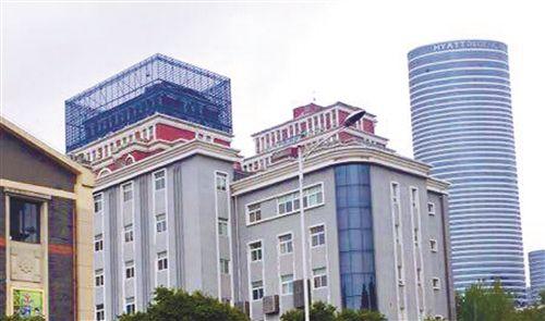 徐州云龙推进楼顶字号规范改造 提升城市形象