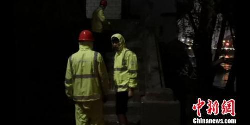 兰州遭强降雨袭击致局地受灾 抢险工作仍在进行