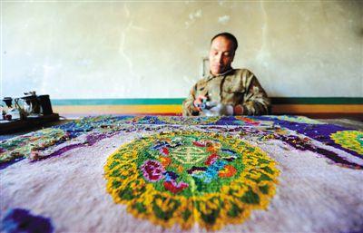 """藏毯逐渐成为西藏民族手工业的""""领头羊"""""""