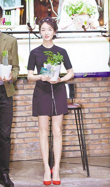 周冬雨主演《阳台上》定档6月1日