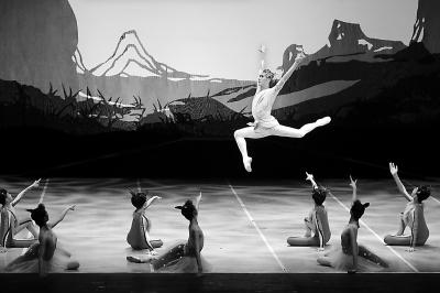 """中央芭蕾舞团首次为孩子推童话剧 演绎敦煌壁画""""九色鹿"""""""