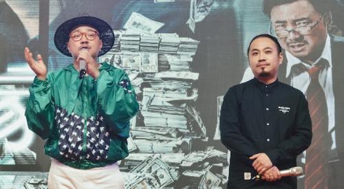 電影《幕后玩家》由徐崢(左)擔任監制