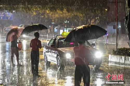 五一假期南方多降雨雷电这些地区需注意景区安全