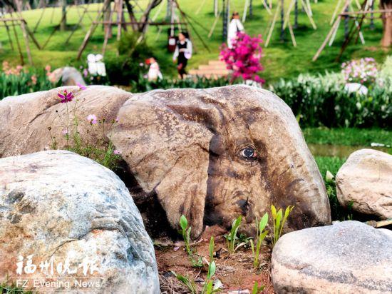 """3D彩绘扮靓公园 福州晋安公园迎来""""恐龙""""""""大象"""""""
