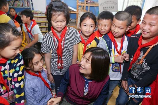 """让城中村儿童不再流浪――青年社工和她的1200多个""""孩子"""""""