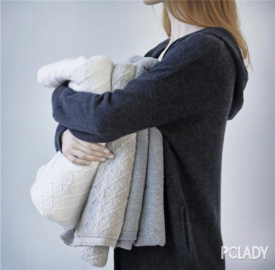 ALLUDE羊绒毛衣 略微宽松的衣身尤其适合层搭穿着