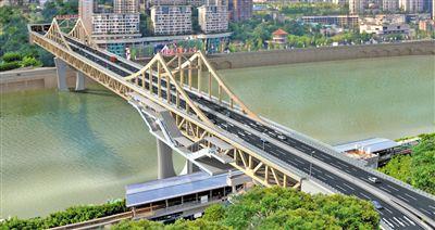 曾家岩嘉陵江大桥桥上建轨道站 将成新网红