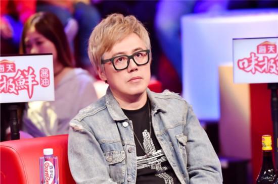 《跨界歌王》张宇接棒黄子佼 幽默点评选手表现