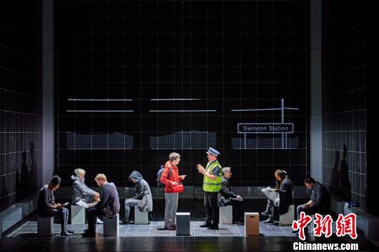 英国国家剧院话剧《深夜小狗离奇事件》上海开演