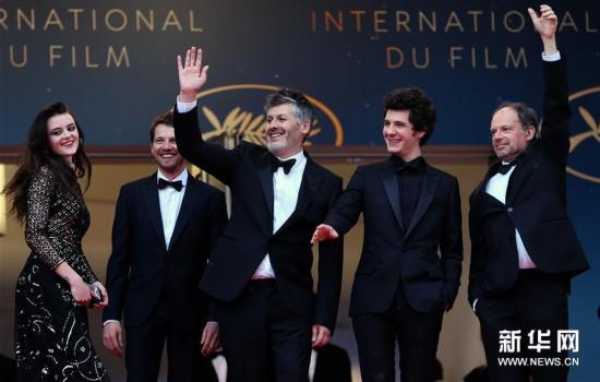 戛纳电影节主竞赛单元影片《喜欢,亲吻,快跑》首映