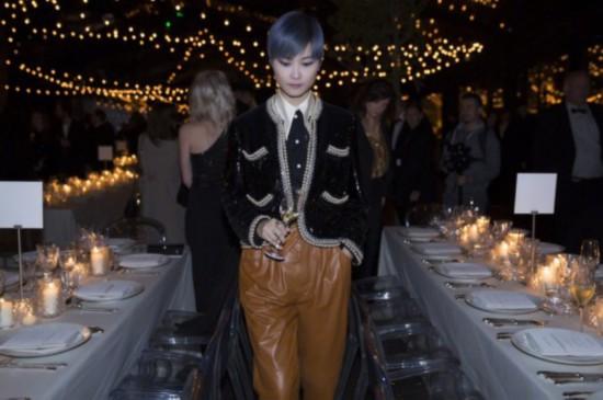 李宇春戛纳参加晚宴 黑珍珠夹克超帅气